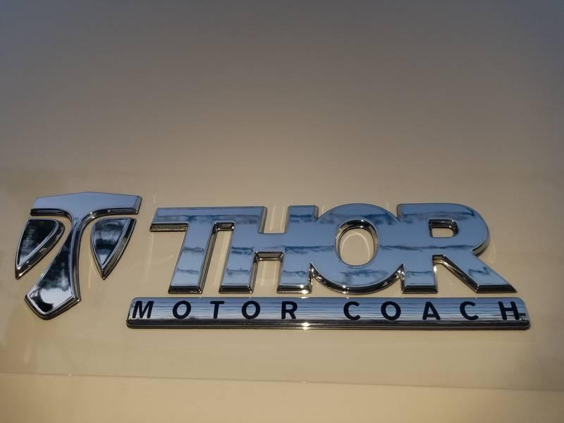 2017 Thor Motor Coach Chateau 22E