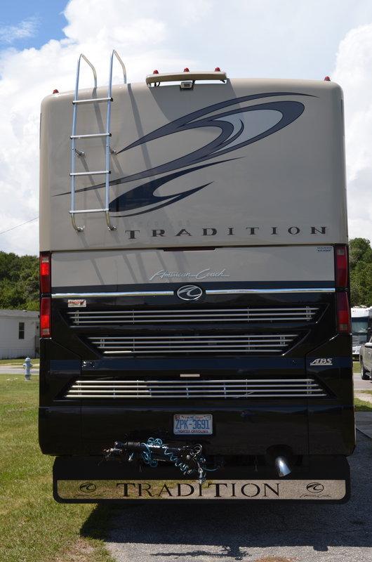 2009 American Coach American Tradition 42M