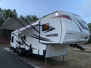 2017 Dutchmen Voltage Triton 3451