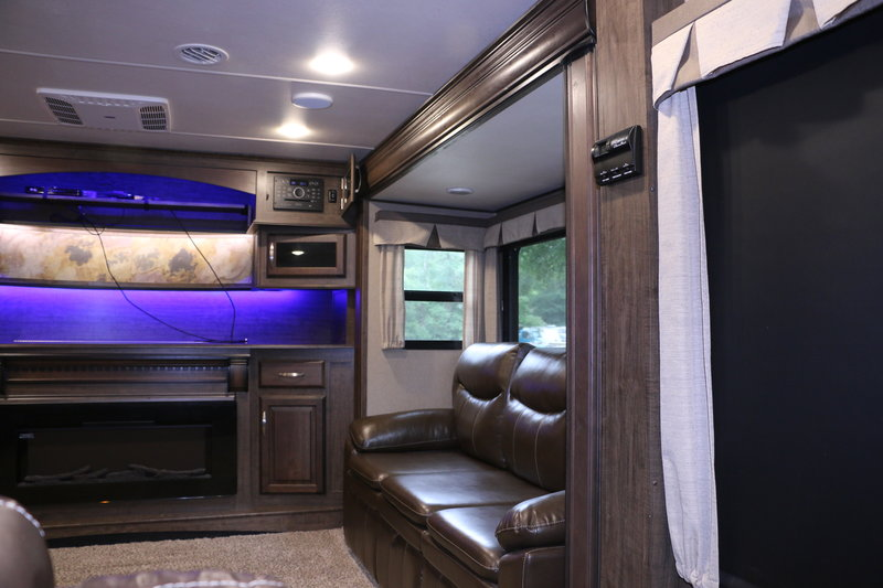 2017 Grand Design Solitude 379FLR