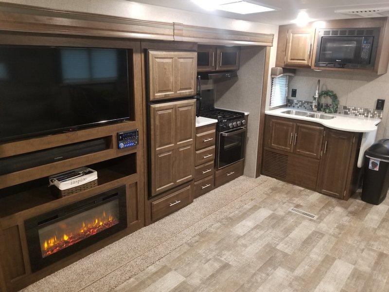 2019 Forest River Rockwood Ultra Lite 2906WS