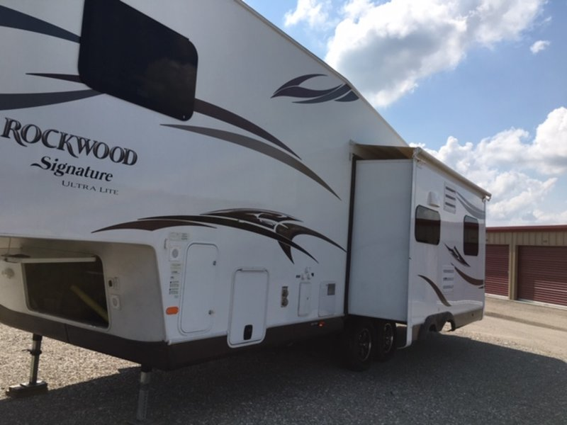 2014 Forest River Rockwood Signature Ultra Lite 8289WS