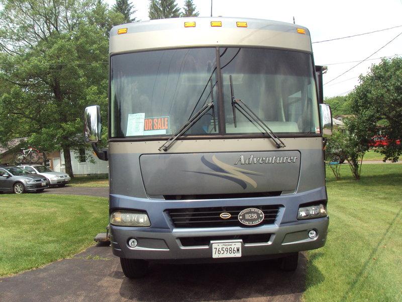 2005 Winnebago Adventurer WFG38G