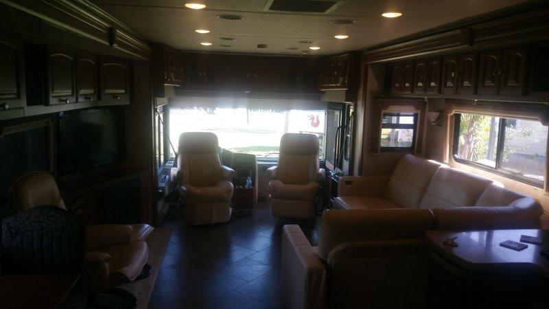 2011 Winnebago Journey 40U