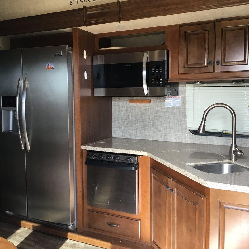 2015 Heartland Bighorn 3750 FL