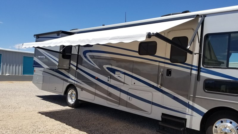 2018 Winnebago Vista LX 35F