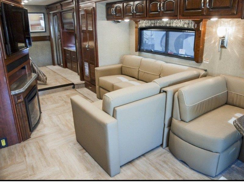 2017 Holiday Rambler Navigator 38K