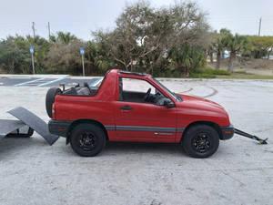 1999 Chevrolet Tracker 2.0 Liter 2dr. 4x4