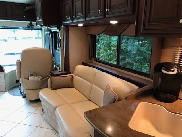 2011 Thor Motor Coach Tuscany 42RQ