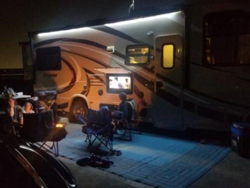 2017 Thor Motor Coach Vegas 25.2