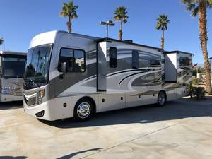 2015 Fleetwood Excursion 33E