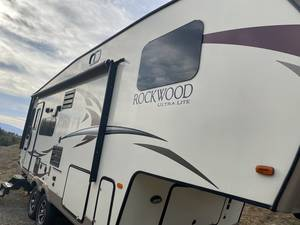 2017 Forest River Rockwood Ultra Lite 2440WS