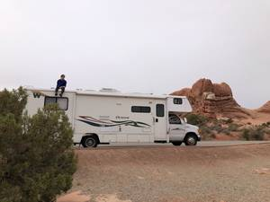 2007 Winnebago Outlook 31C