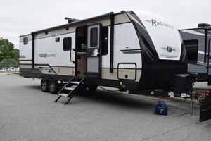 2021 Cruiser RV Radiance 28QD