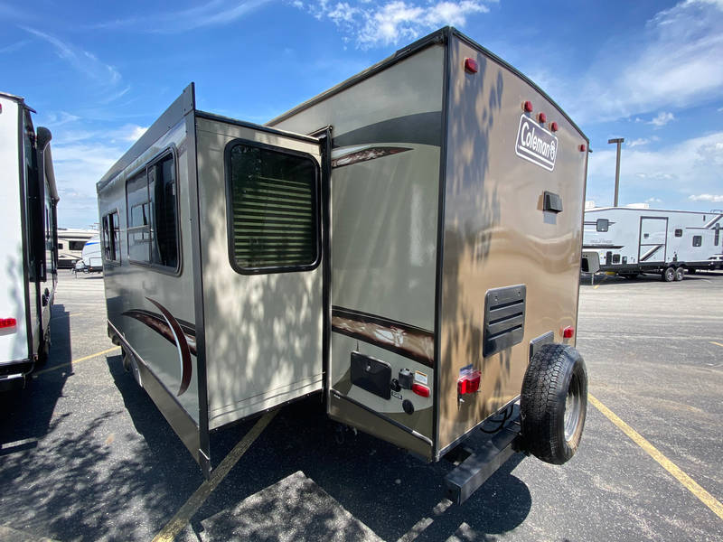 2017 Coleman Coleman Light 2915RK