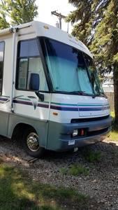1997 Winnebago Adventurer 34RQ