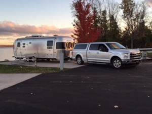 2015 Airstream Flying Cloud 27FB Twin