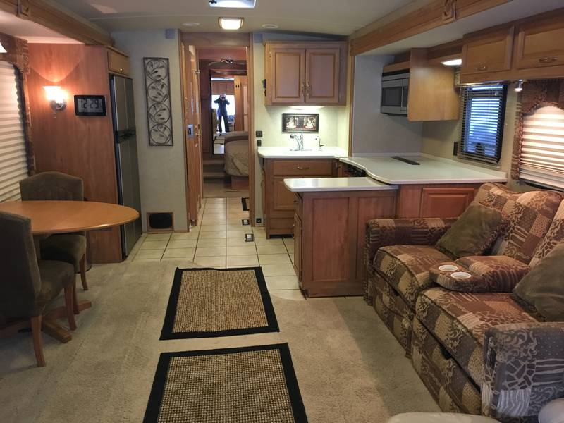 2006 Winnebago Tour 40FD