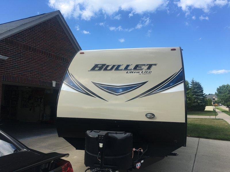 2017 Keystone Bullet Ultra Lite 330 bhs