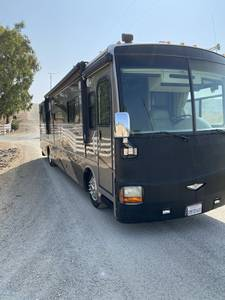 2005 Fleetwood Discovery 39S