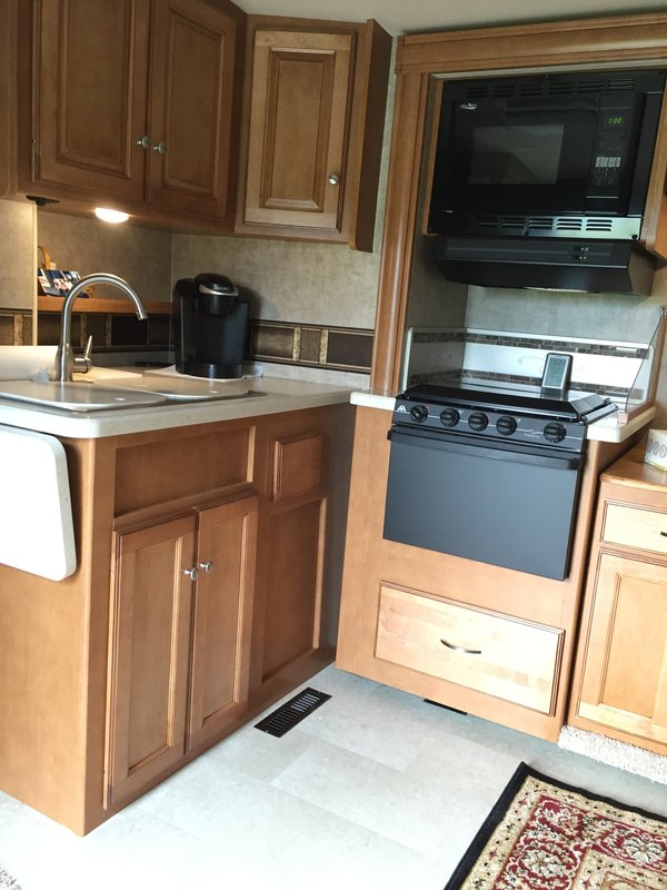 2016 Winnebago Sunstar LX 30T