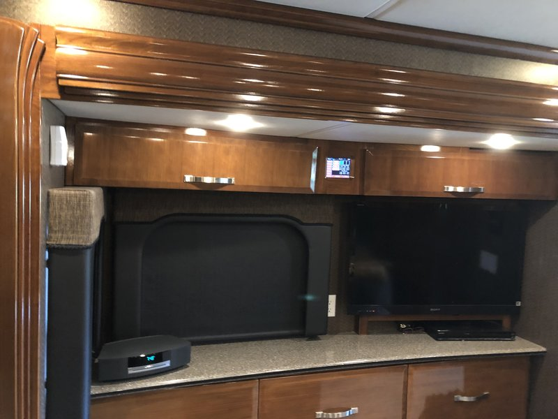 2012 Newmar King Aire 4584