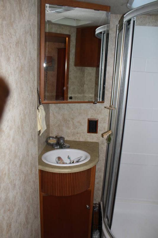 2009 Winnebago Sightseer 31E