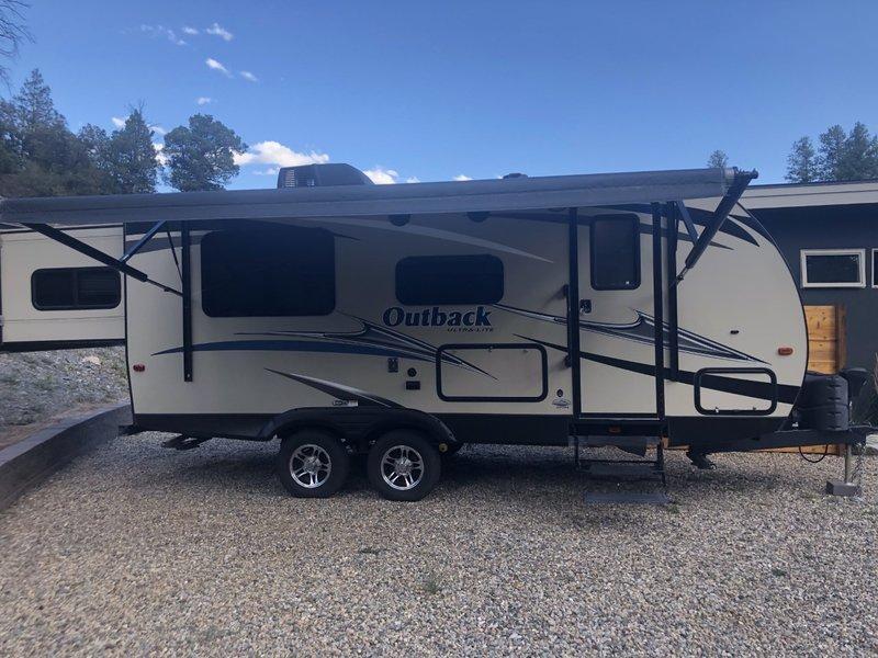 2016 Keystone Outback Ultra Lite 210 URS