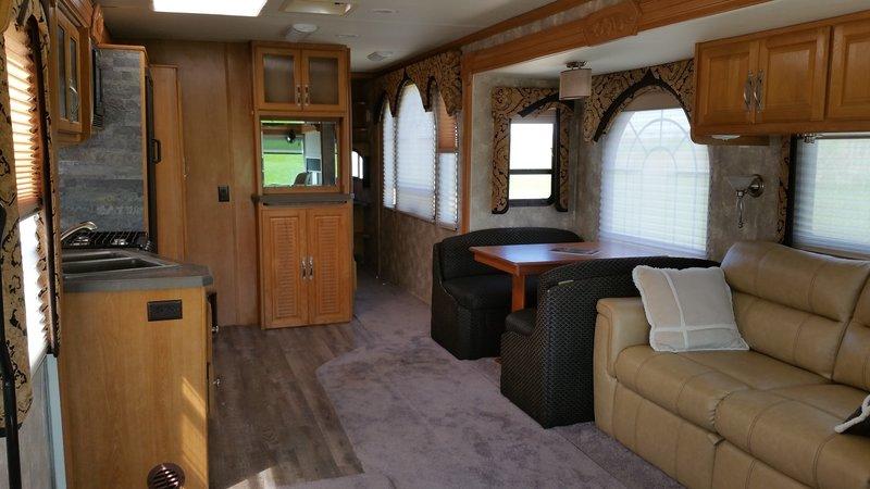 2007 Coachmen Epic Premier 3700 TS