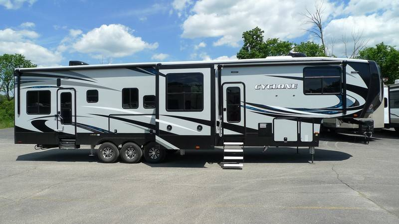 Lifestyle 5Th Wheel >> 2018 Heartland Cyclone HD Edition 4005, Toy Haulers 5th Wheels RV For Sale in Belleville ...