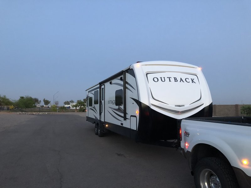 2018 Keystone Outback Super Lite 328RL
