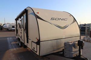 2016 Venture RV Sonic 220VBH
