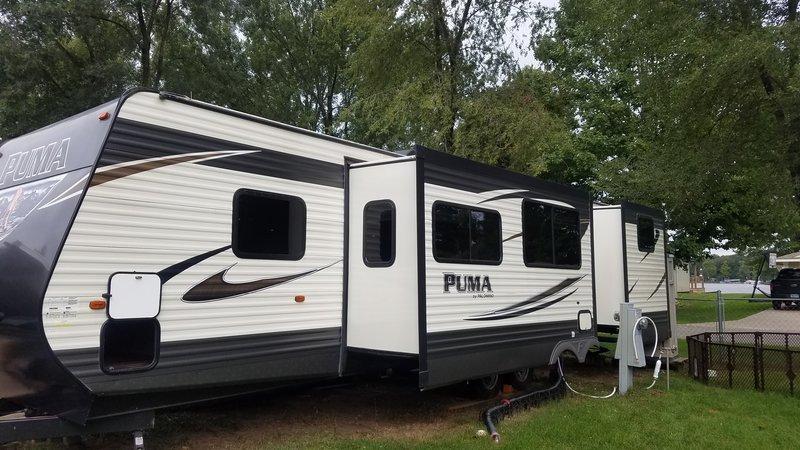 2017 Palomino Puma 31BHSS