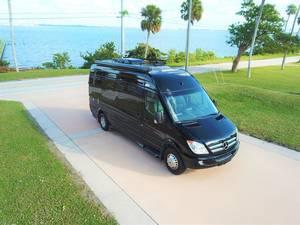 2013 Leisure Travel Vans Free Spirit SS