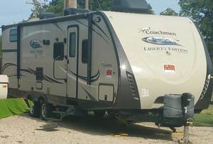 2016 Coachmen Freedom Express Liberty Edition 292BHDSLE