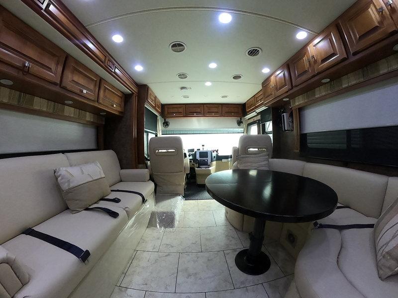 2011 Tiffin Allegro Breeze 28BR