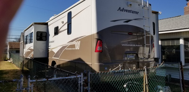 2005 Winnebago Adventurer adventure