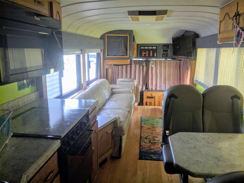 1977 Eagle Bus 05
