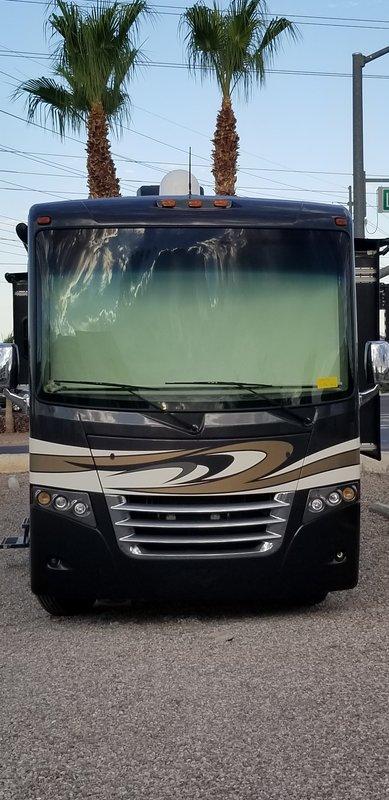 2016 Thor Motor Coach Miramar 34.3