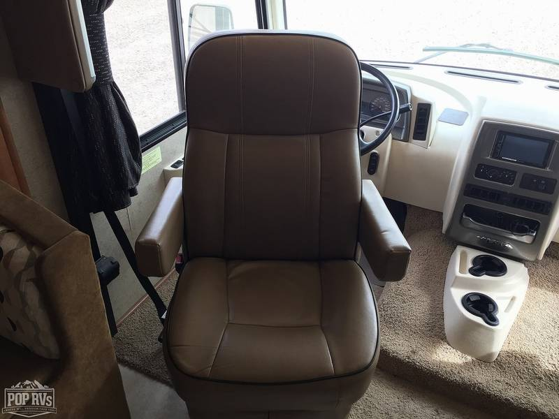 2016 Winnebago Vista LX 35F