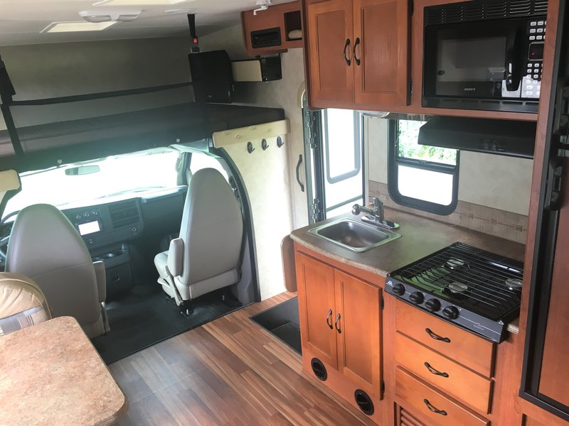 2013 Coachmen Freelander 22QBC