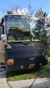 2005 Fleetwood Discovery 39L