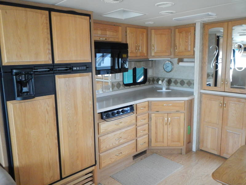 2005 Newmar Kountry Star 3651
