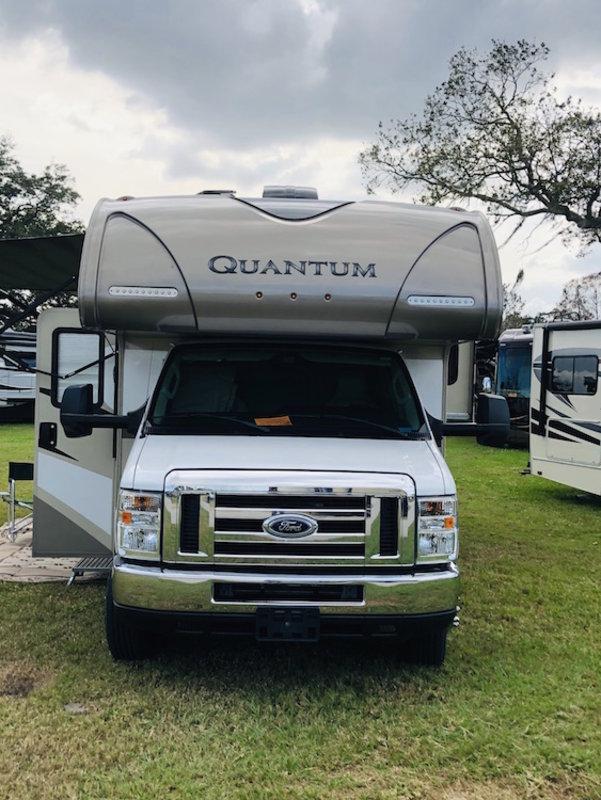 2017 Thor Motor Coach Quantum GR22