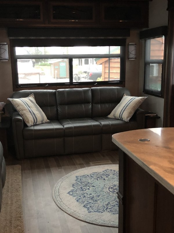 2019 Jayco Pinnacle 37RLWS