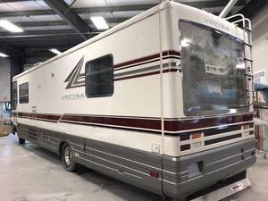 1995 Winnebago Vectra 34RA