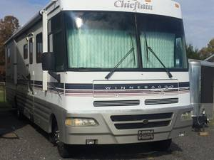 1999 Winnebago Chieftain WFL35U
