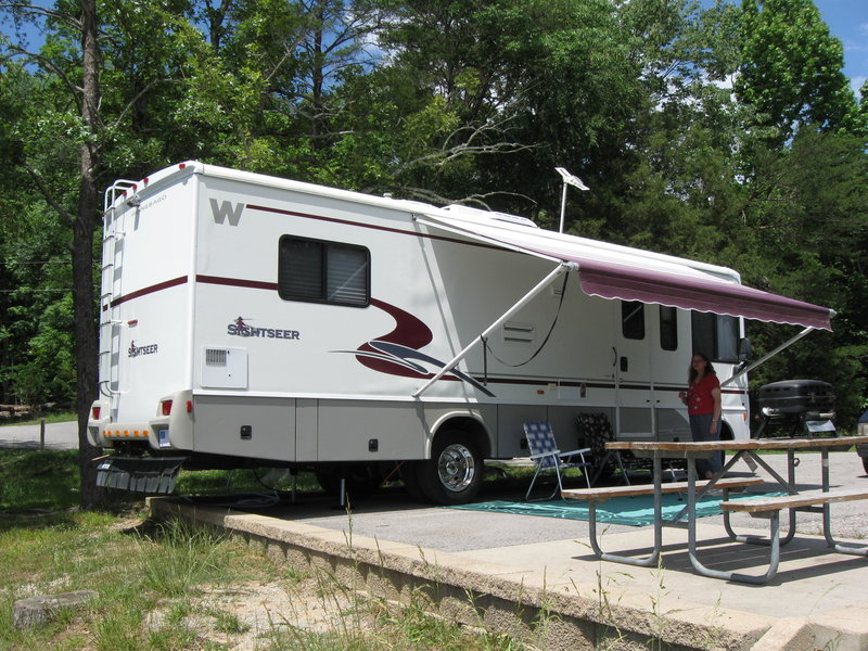 2002 Winnebago Sightseer 30B