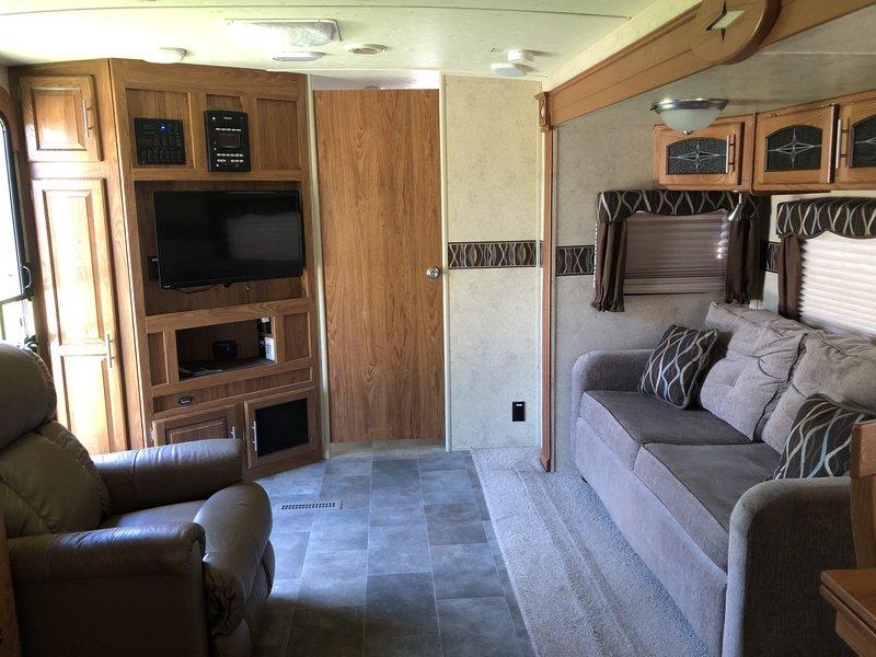 2014 Forest River Flagstaff 831FKBSS
