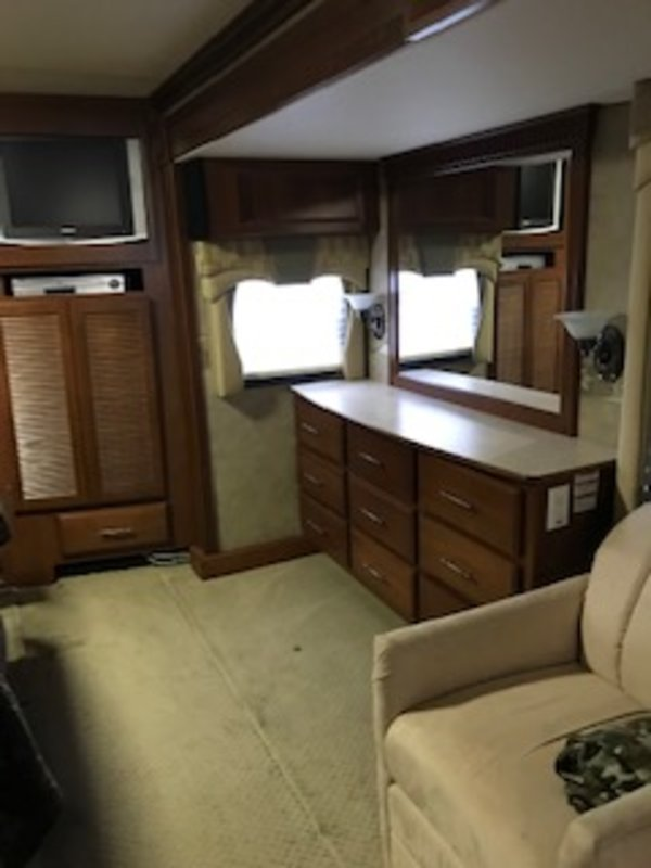 2007 Fleetwood Discovery 39V